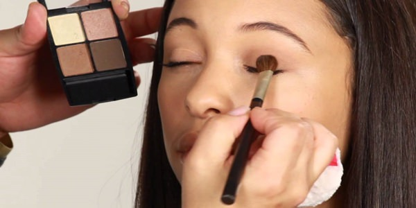 basit göz makyajı nasıl yapılır